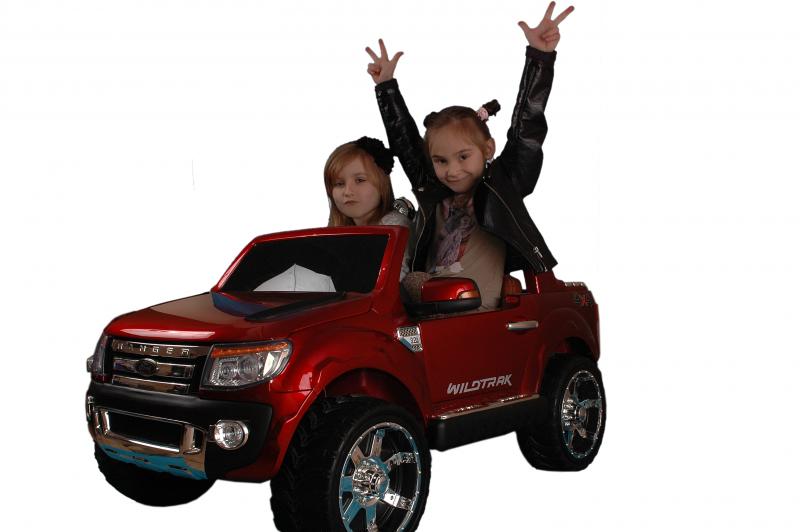masinuta-electrica-pentru-copii-ford-ranger-150-visiniu-metalizat-2